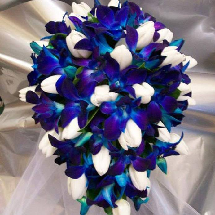 Свадебные букеты василькового цвета, скидки на букеты киев